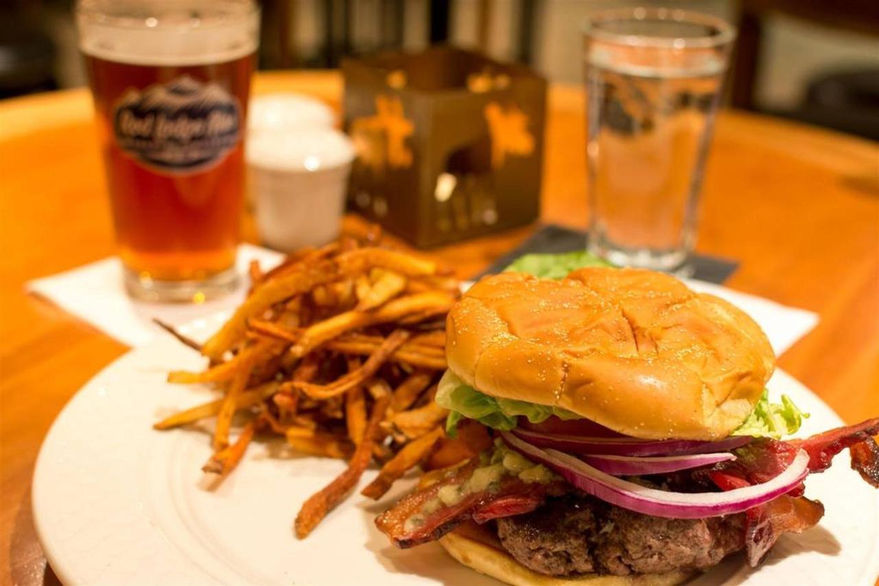 burger-1.jpg.1024x0.jpg