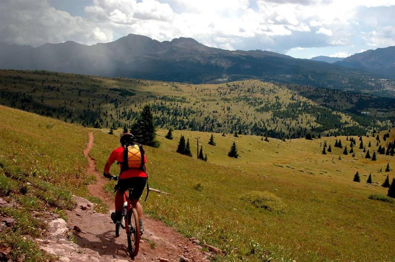 rocky_mountain_biker.jpg.1024x0.jpg