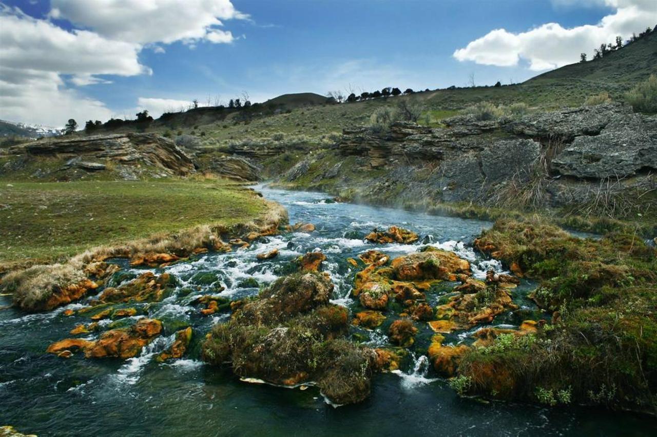 boiling_river.jpg.1024x0.jpg