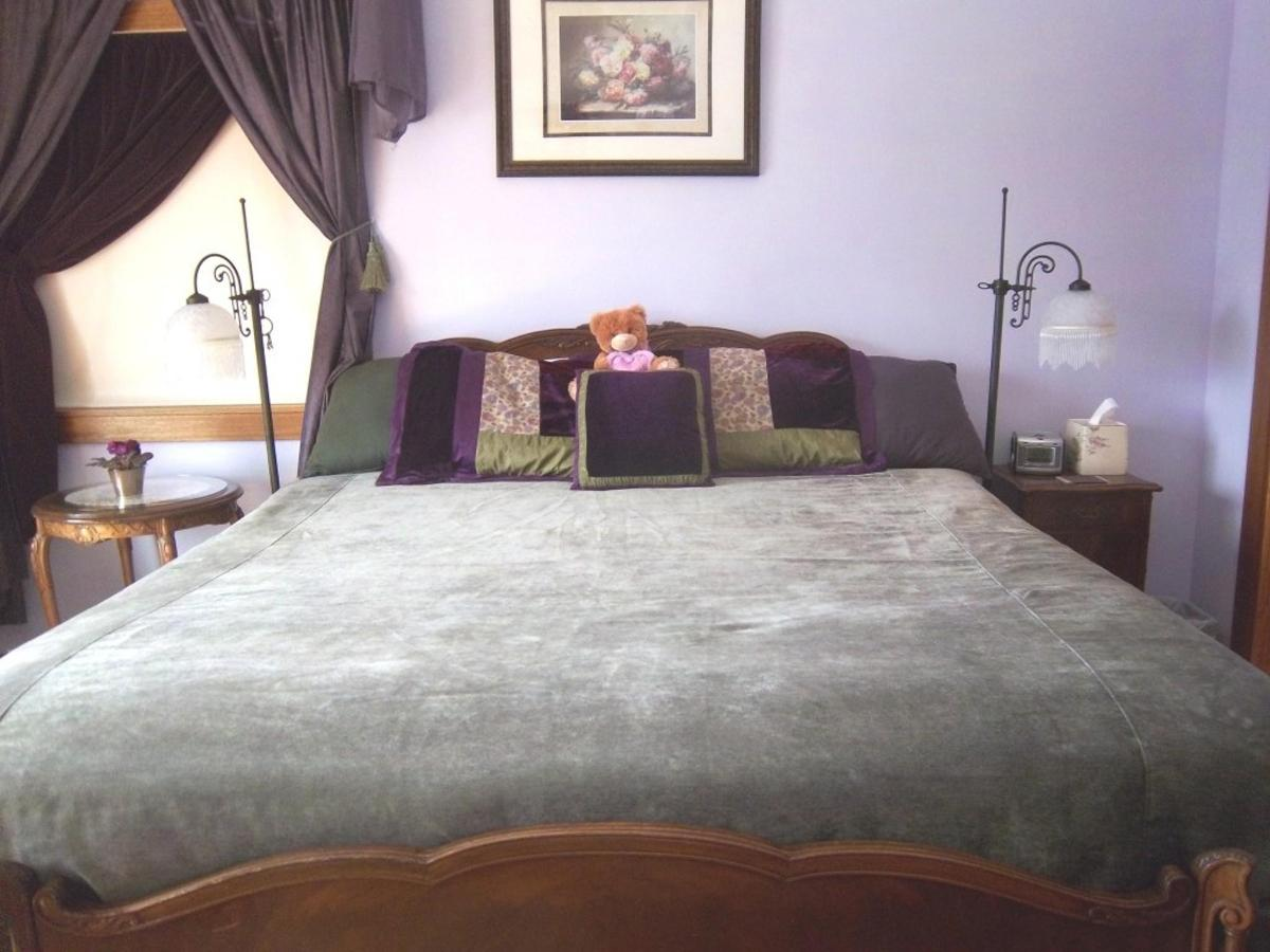 amethyst-room-new-king-bed-at-coppertoppe2.JPG.1024x0.JPG