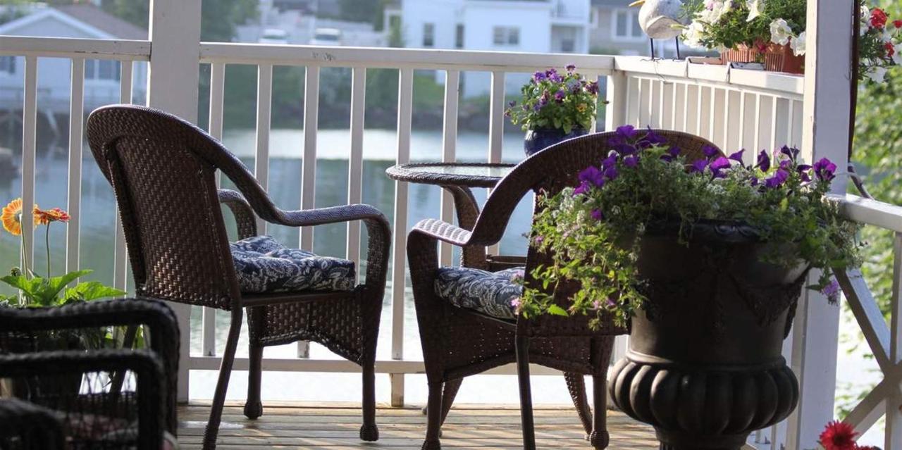 Room 10 Porch Views.JPG