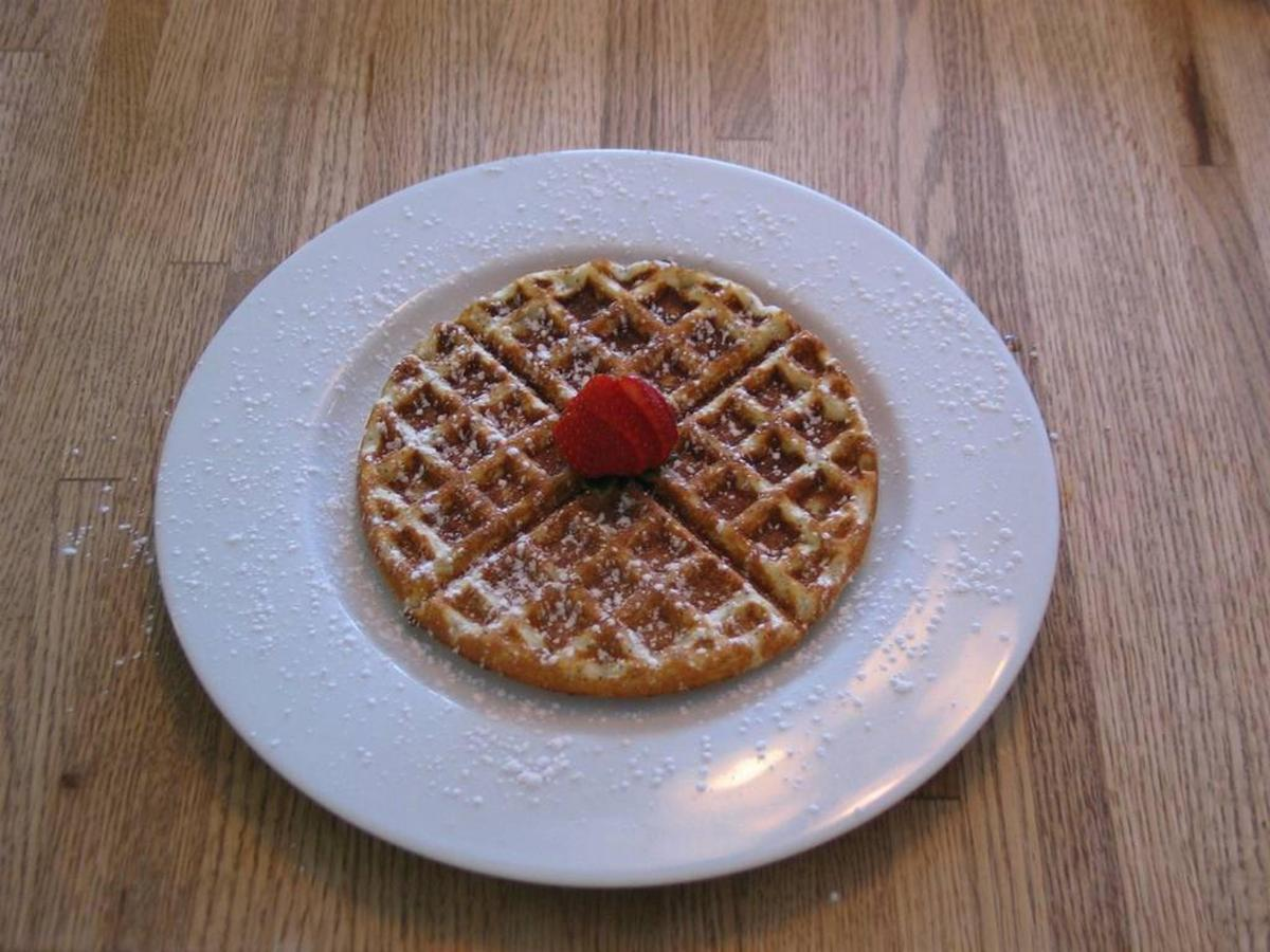 lemon-poppyseed-waffle-1.jpg.1024x0.jpg