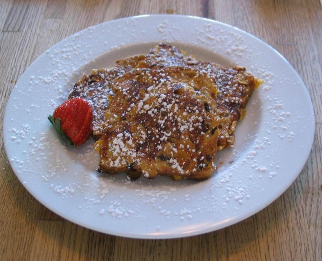 cornflake-crusted-grand-marnier-french-toast.jpg.1024x0.jpg