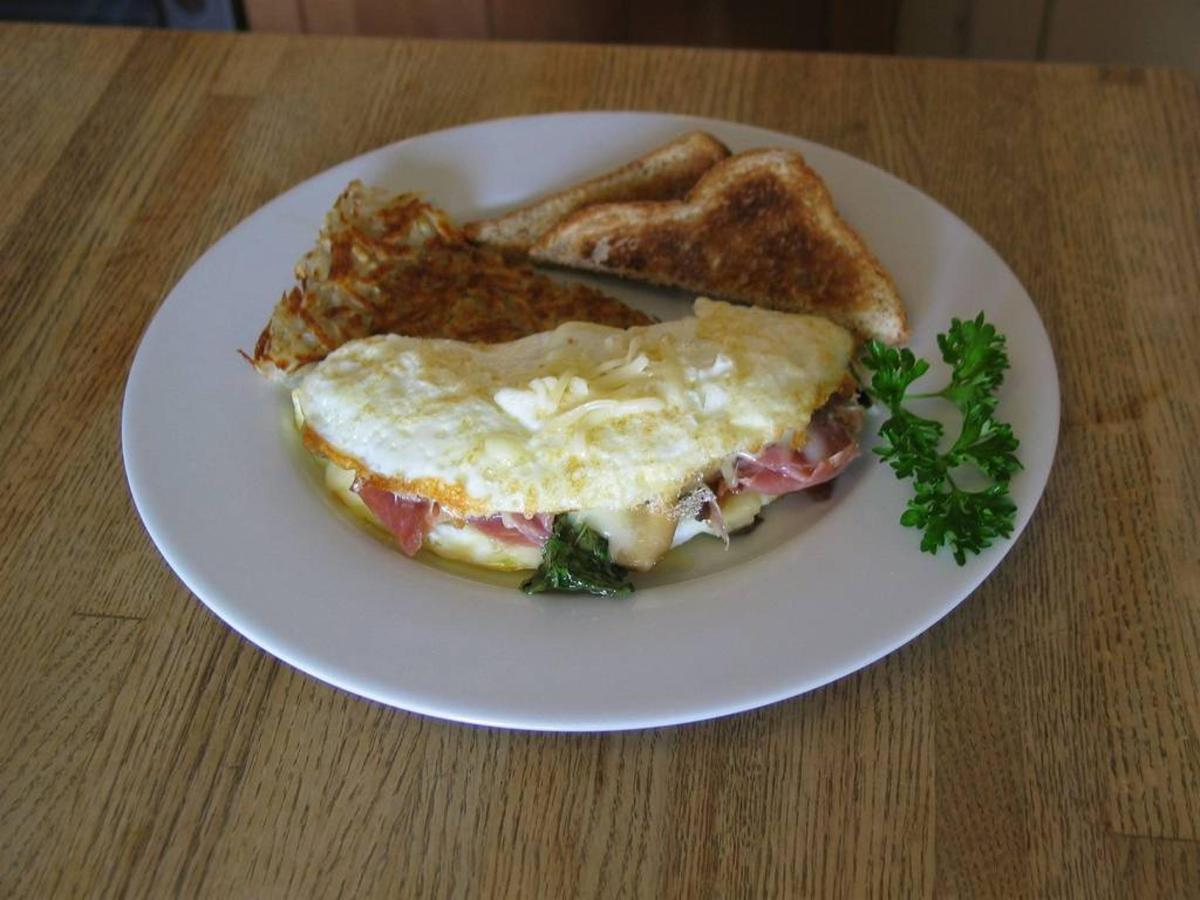 egg-white-omelet-with-prosciutto-basil-and-mozzarella.jpg.1024x0.jpg