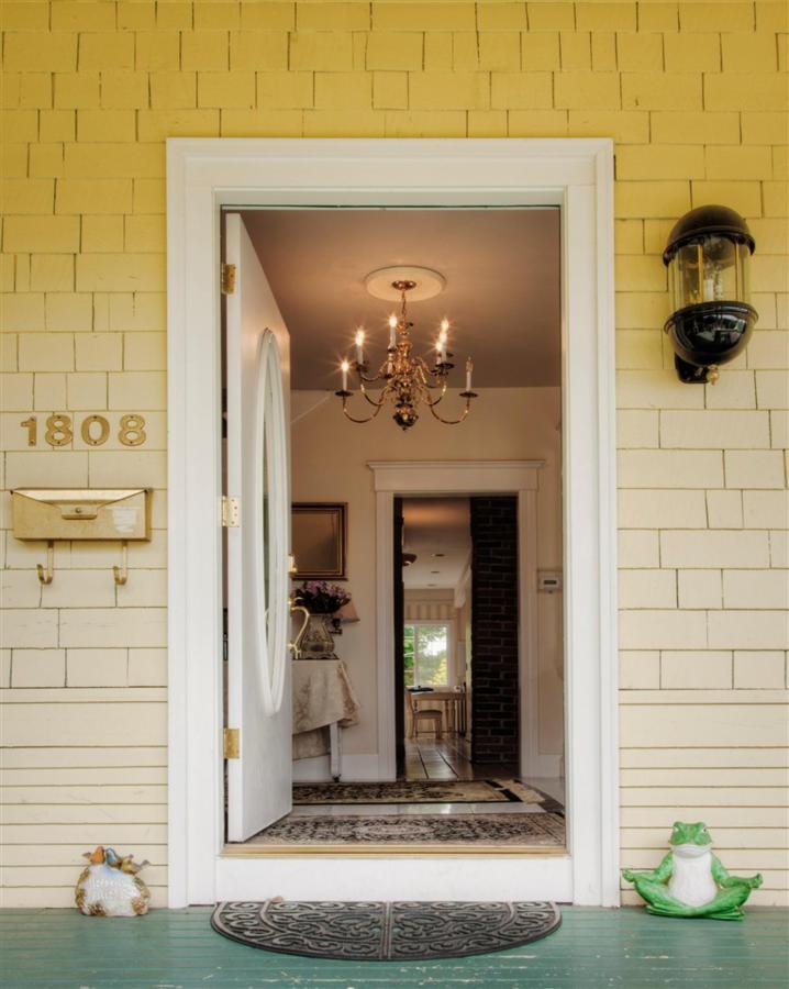 front-door-1.jpg.1024x0.jpg