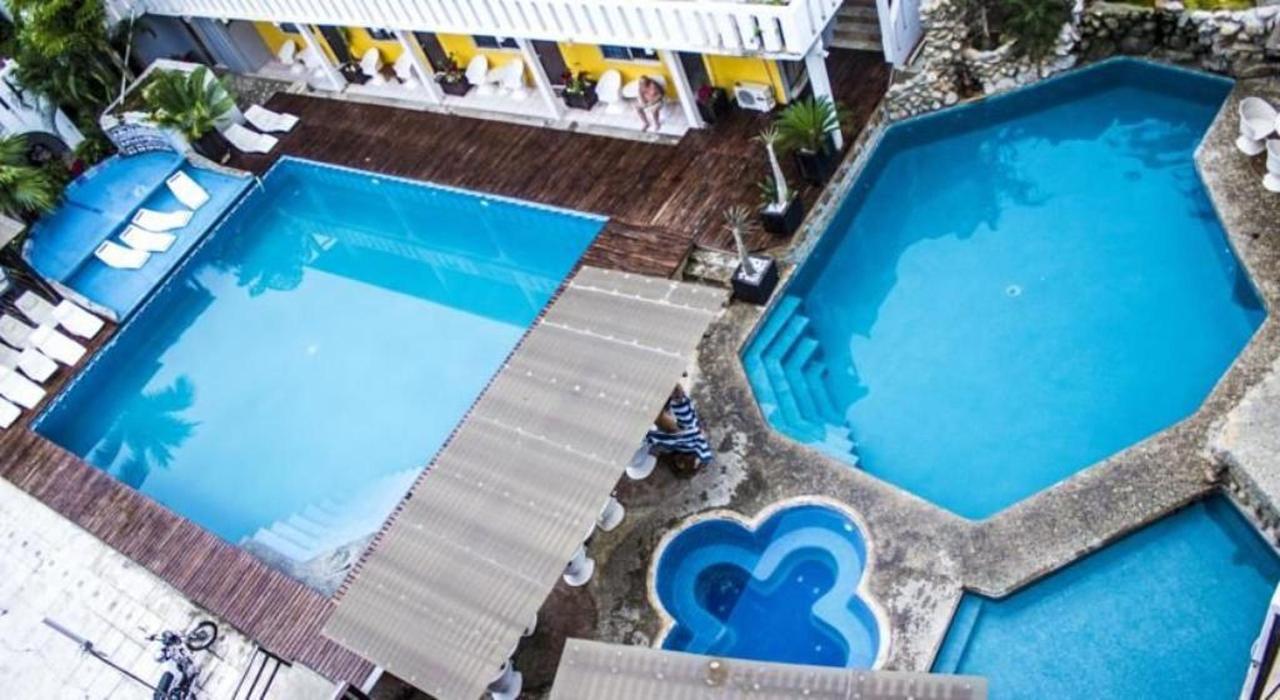 Bungalows Zicatela Pool6.jpg