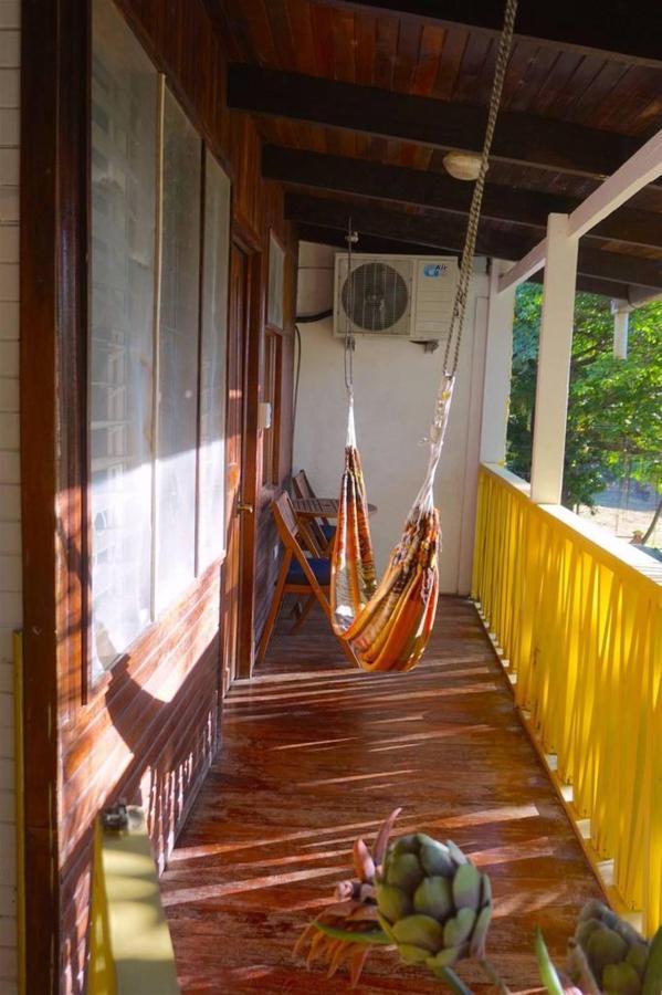 Balcon para relajar - Hotel Aurora - Montezuma.jpg