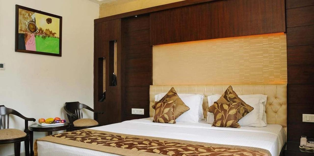 Executive Double or Twin Room with Airport Pickup3.jpg