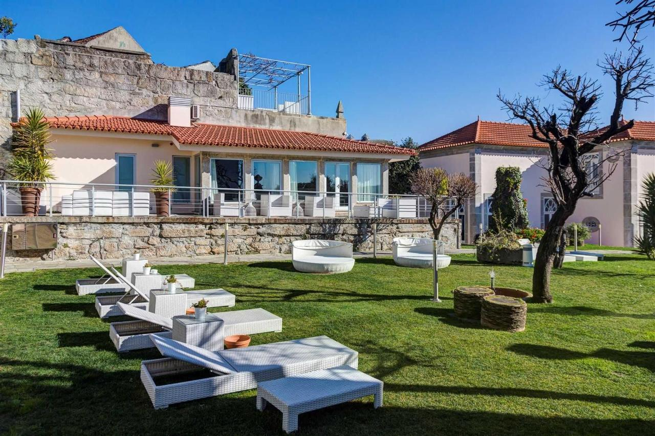 Flores Village Hotel & Spa secret garden to relax and enjoy Porto views