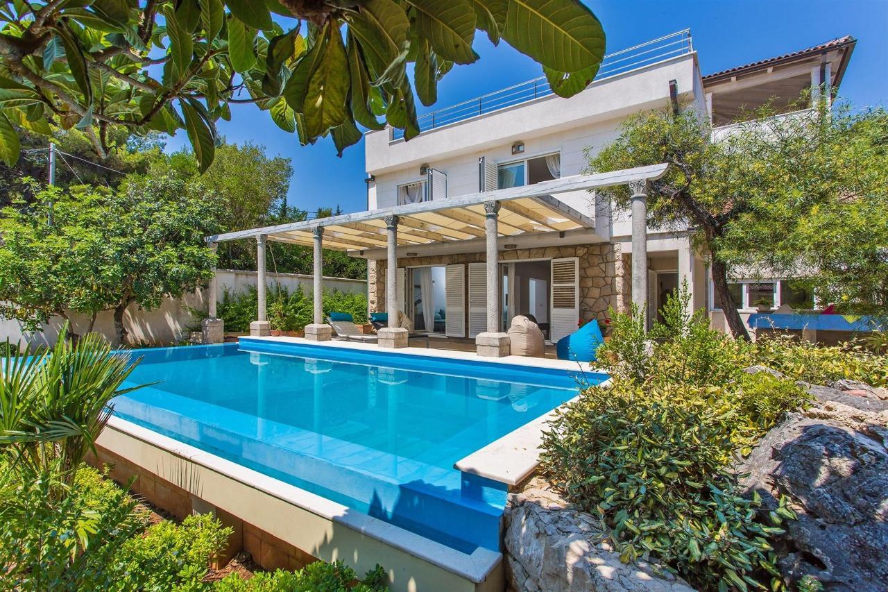 Outiside Villa.jpg