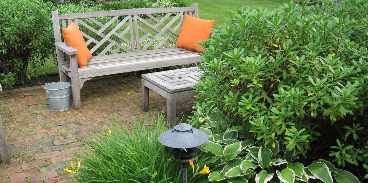 Patio Set | Nantucket Inn.jpg