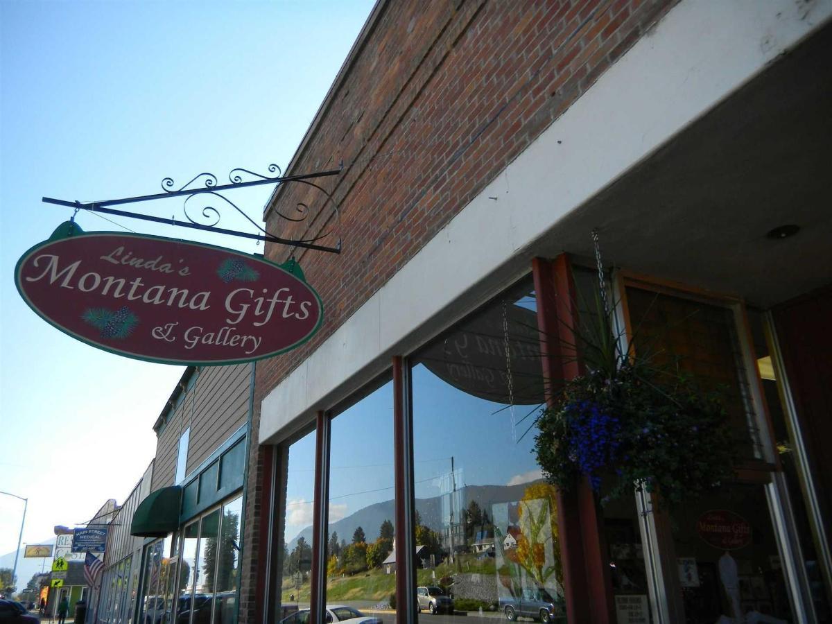 Linda's Montana Gift & Gallery.jpg