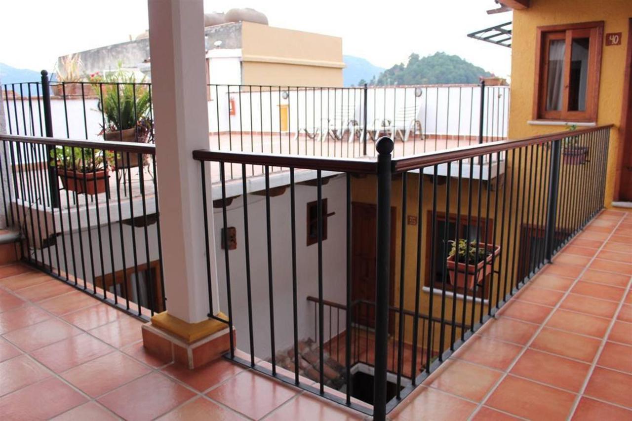 The Hotel - Balcones - .jpg