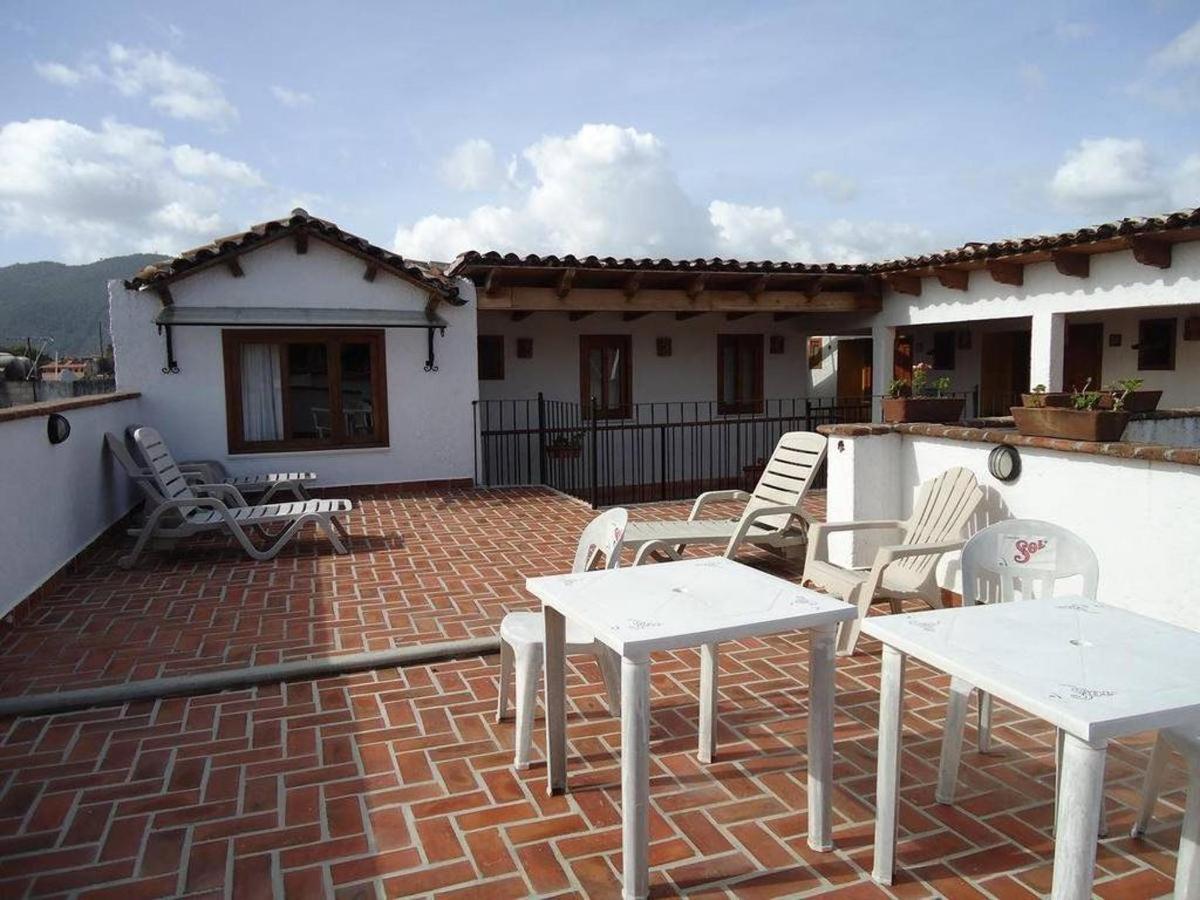 El Hotel - Terrazas.jpg