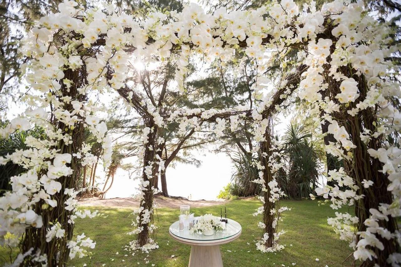 ซุ้มดอกไม้ในพิธีแต่งงาน.jpg