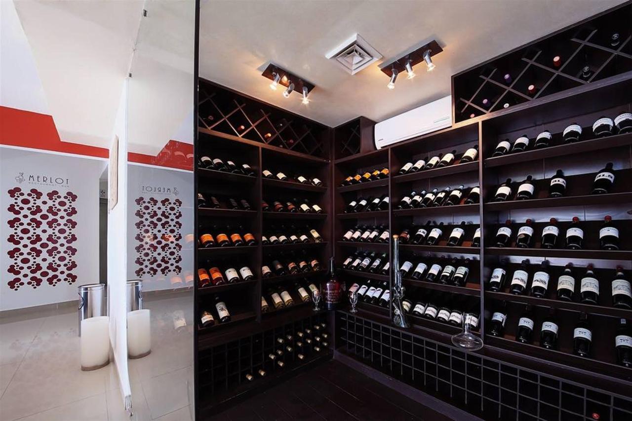 Le Reve Hotel & Spa - Wines.jpg