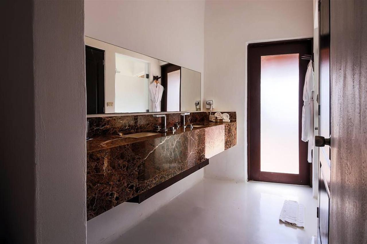Habitaciones - Bathroom.jpg
