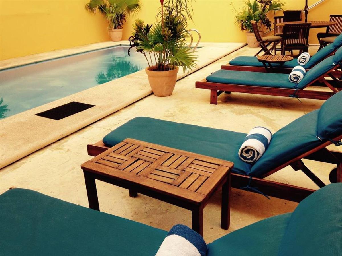 Pool - Relax.jpg