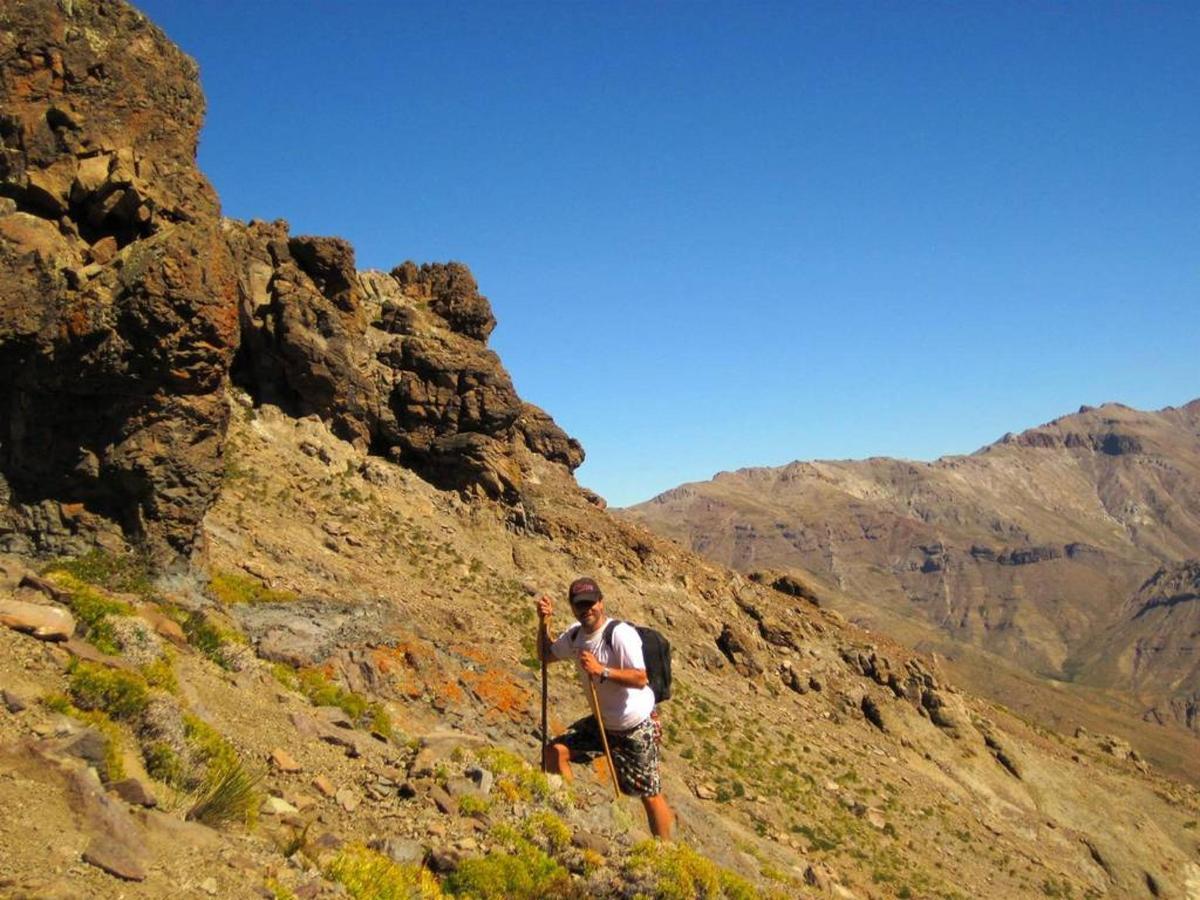 Randonnée à 9000 pi. Chilien Central Andes.jpg