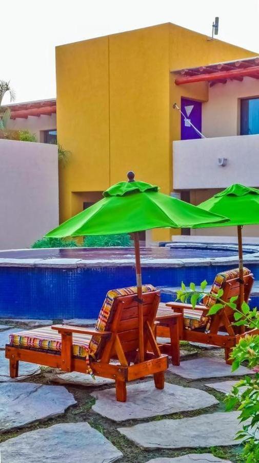 Hotel Los Patios - Vista Piscina.jpg