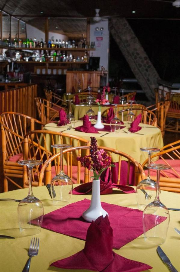 Playa Bejuco Hotel - Restaurant.jpg