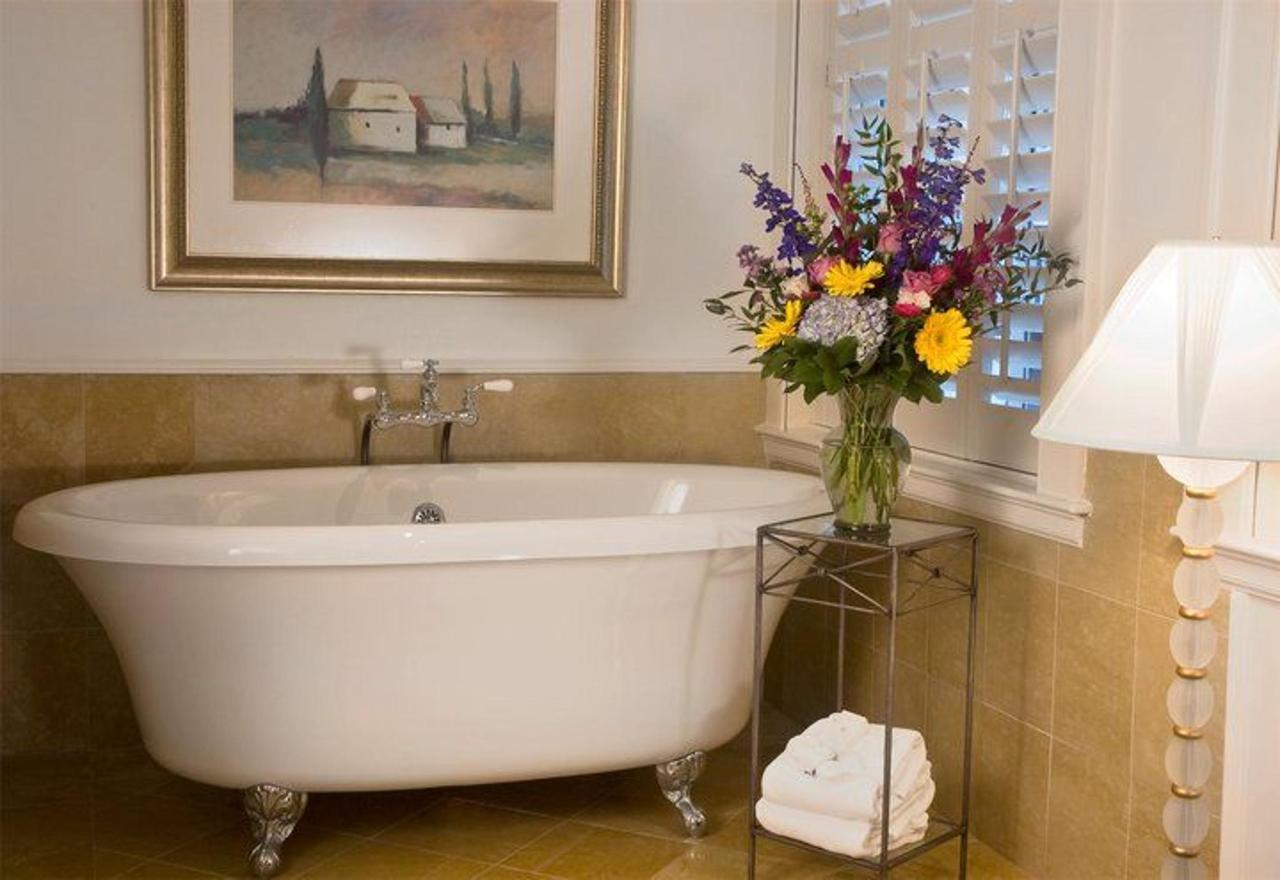 Romance Jacuzzi Room