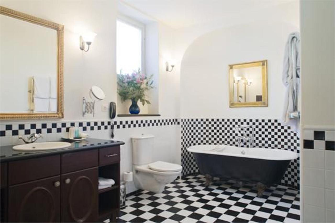 Suite No. 6 Bathroom.jpg