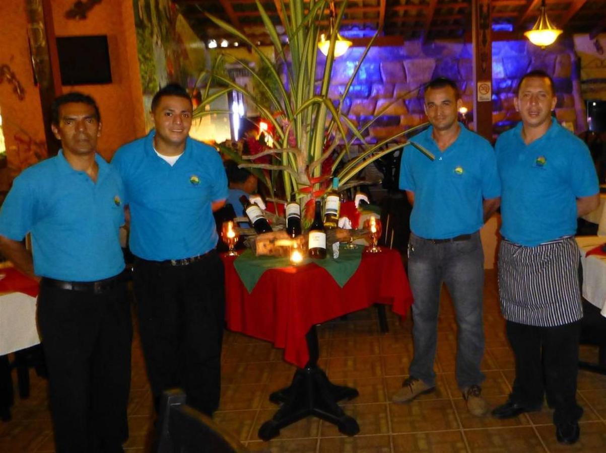 Tiki Bar & Restaurant