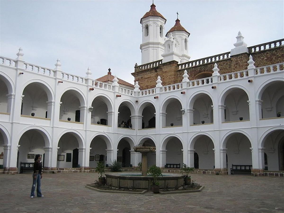 Monastero e Chiesa di San Felipe Neri.jpg
