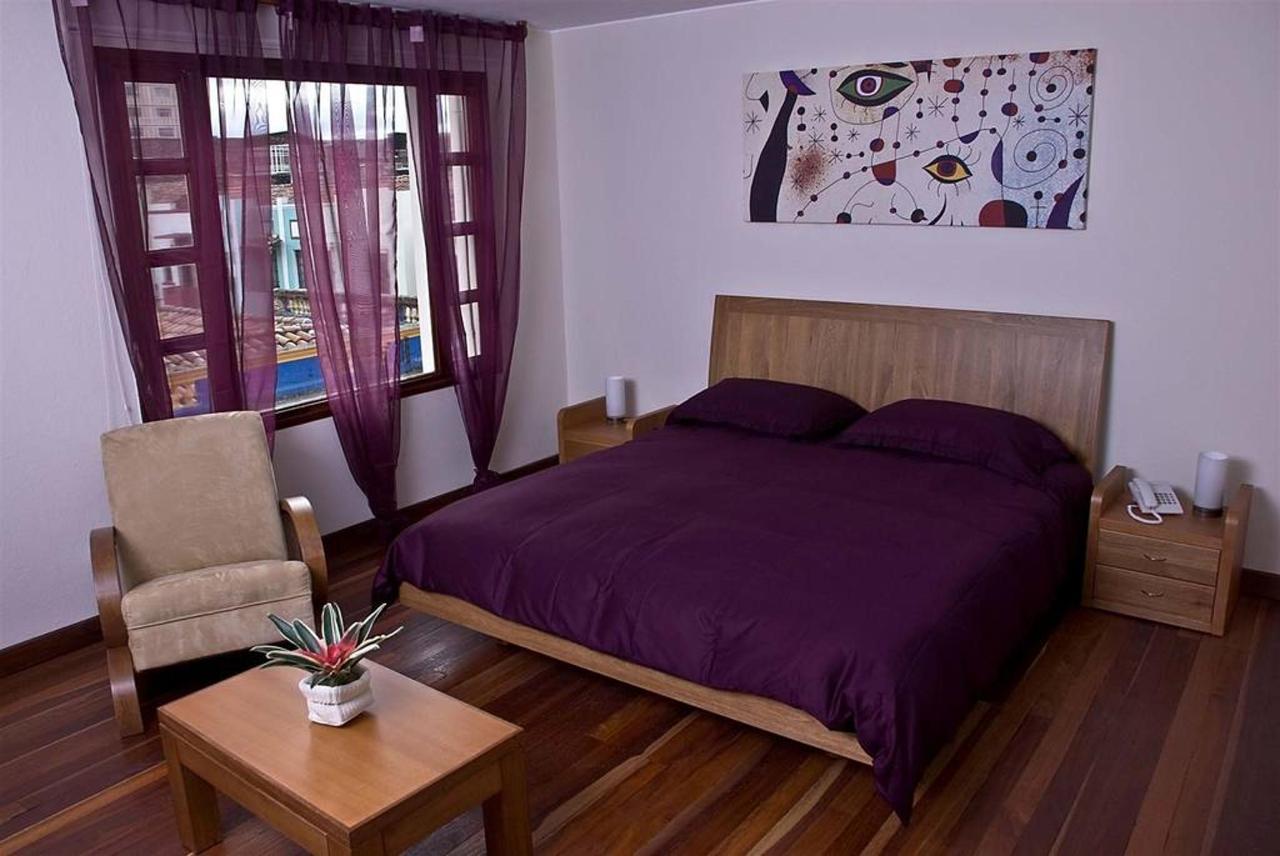 Executiva Morada, Hotel Casa Deco, Bogotá, Colombia.jpg