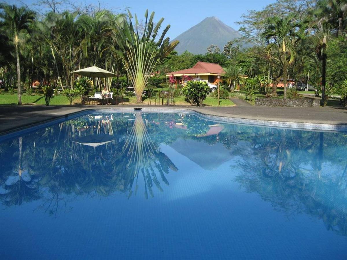 Piscina, Arenal Country Inn, Alajuela, Costa Rica