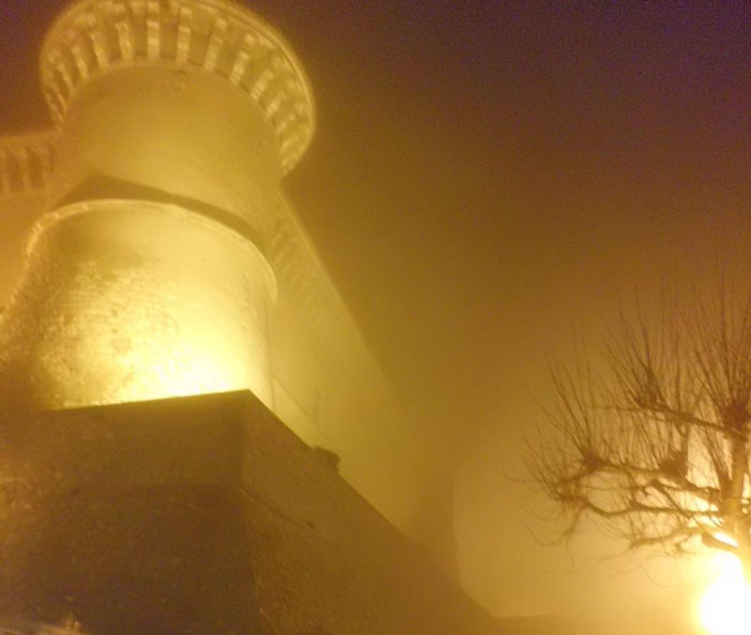 Schloss von Alviano.jpg