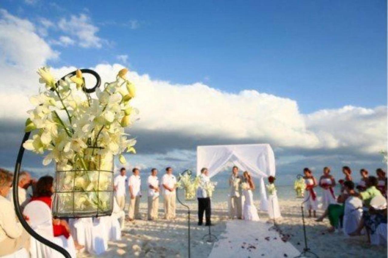 Lovely weddings, Gallery, CasaSandra Boutique Hotel, Holbox Island, Mexico.jpg