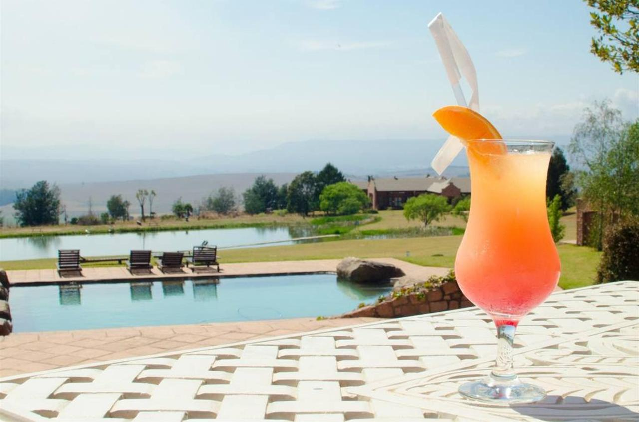 Gooderson Kloppenheim Country Estate Cocktails by the Pool.jpg
