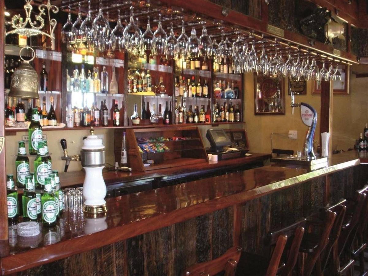 Gooderson Kloppenheim Country Estate Teddy & Tankard Pub.jpg