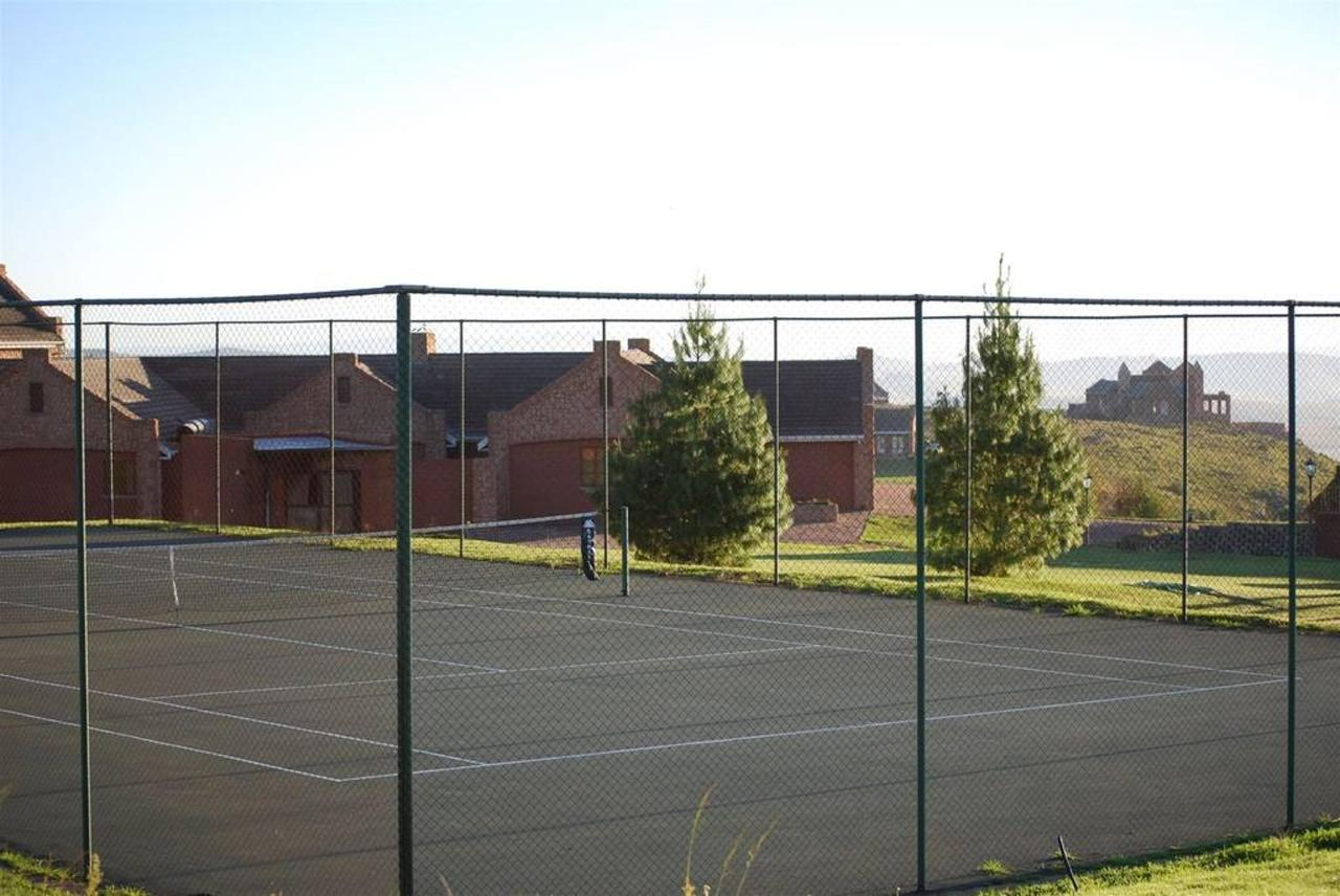 Gooderson Kloppenheim Country Estate Tennis Courts.jpg