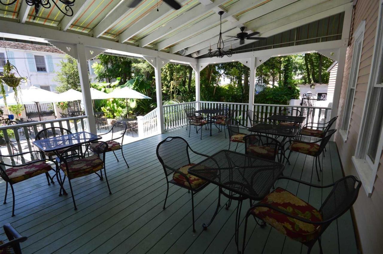 Kenwood Porches