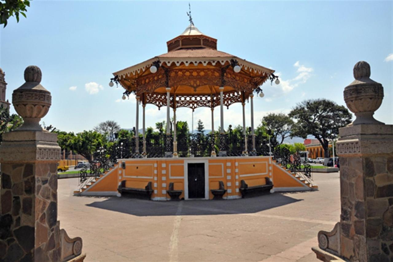 Quisco Jardín Principal, Explora Sayula, Gran Casa Sayula Hotel Galeria & SPA, Sayula, Mexico.jpg