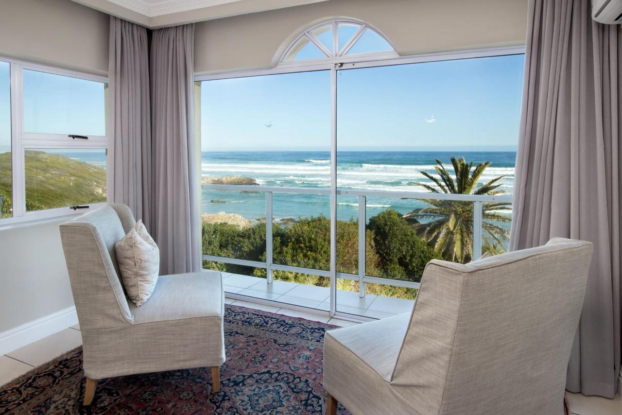 Luxury Suite with Sea View 1.jpg