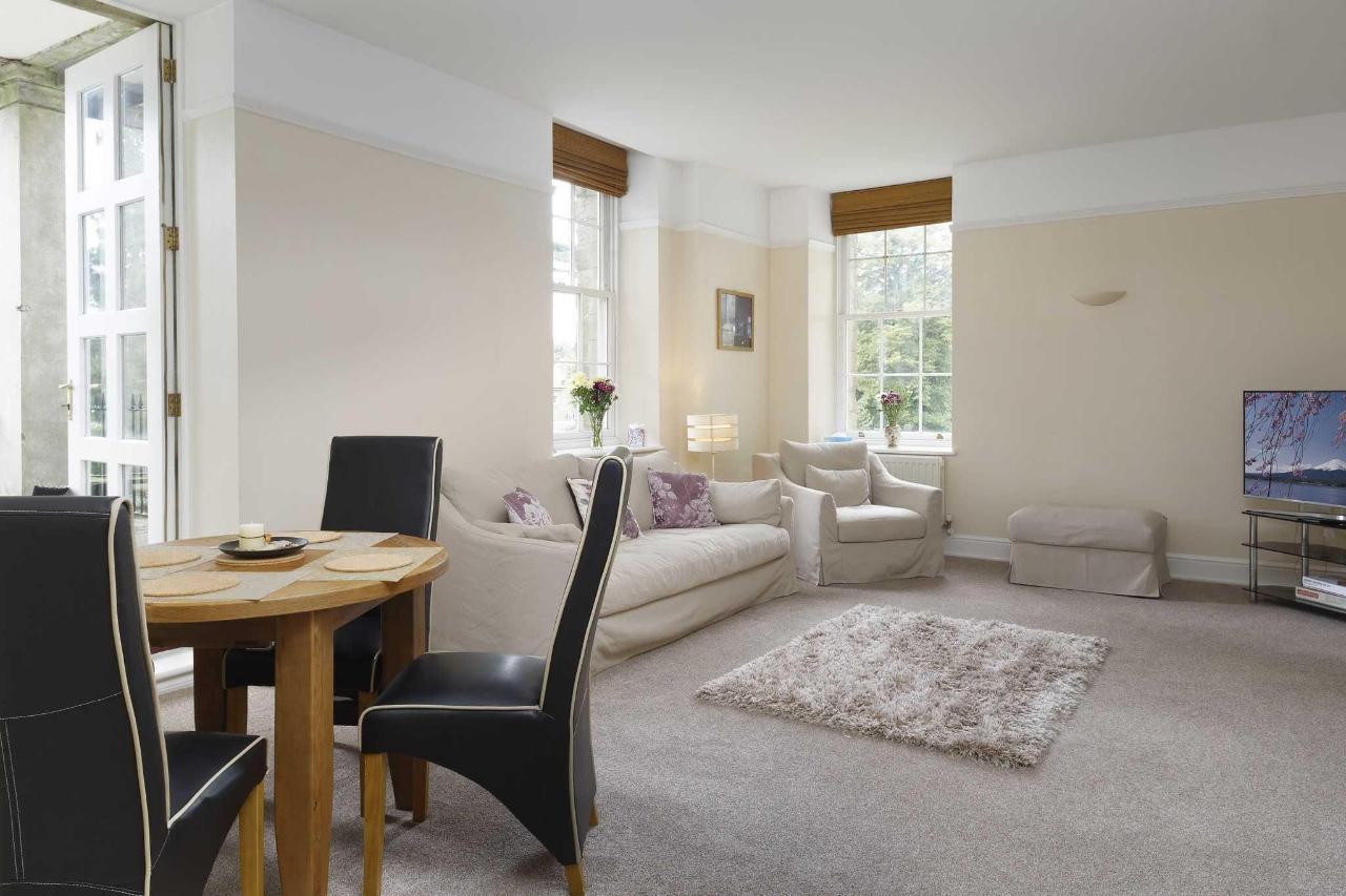 Lounge Style Executive Apartment (No 35)