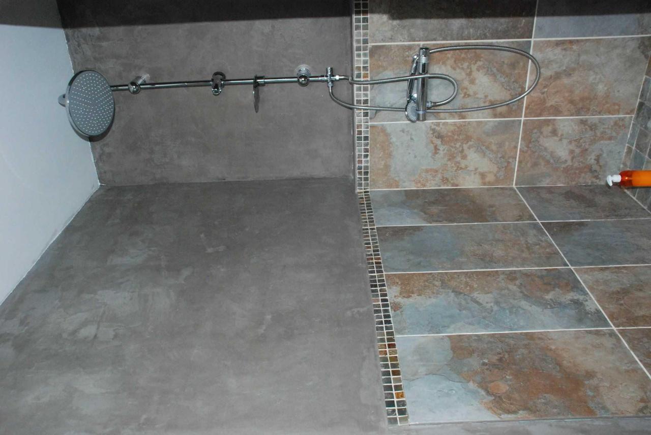 douche de la chambre famille.JPG