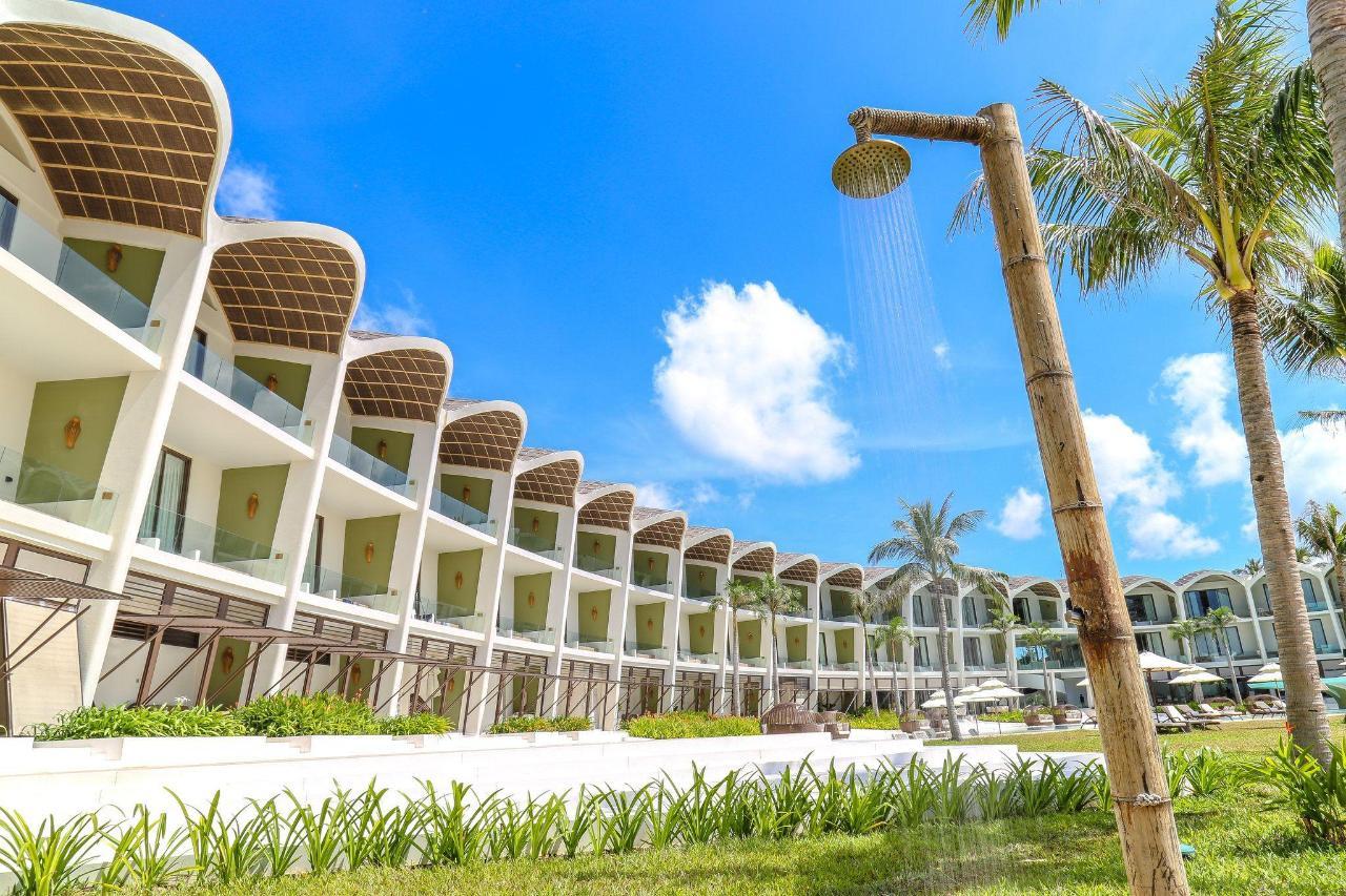 8-1-hotel-exterior-217-1.jpg