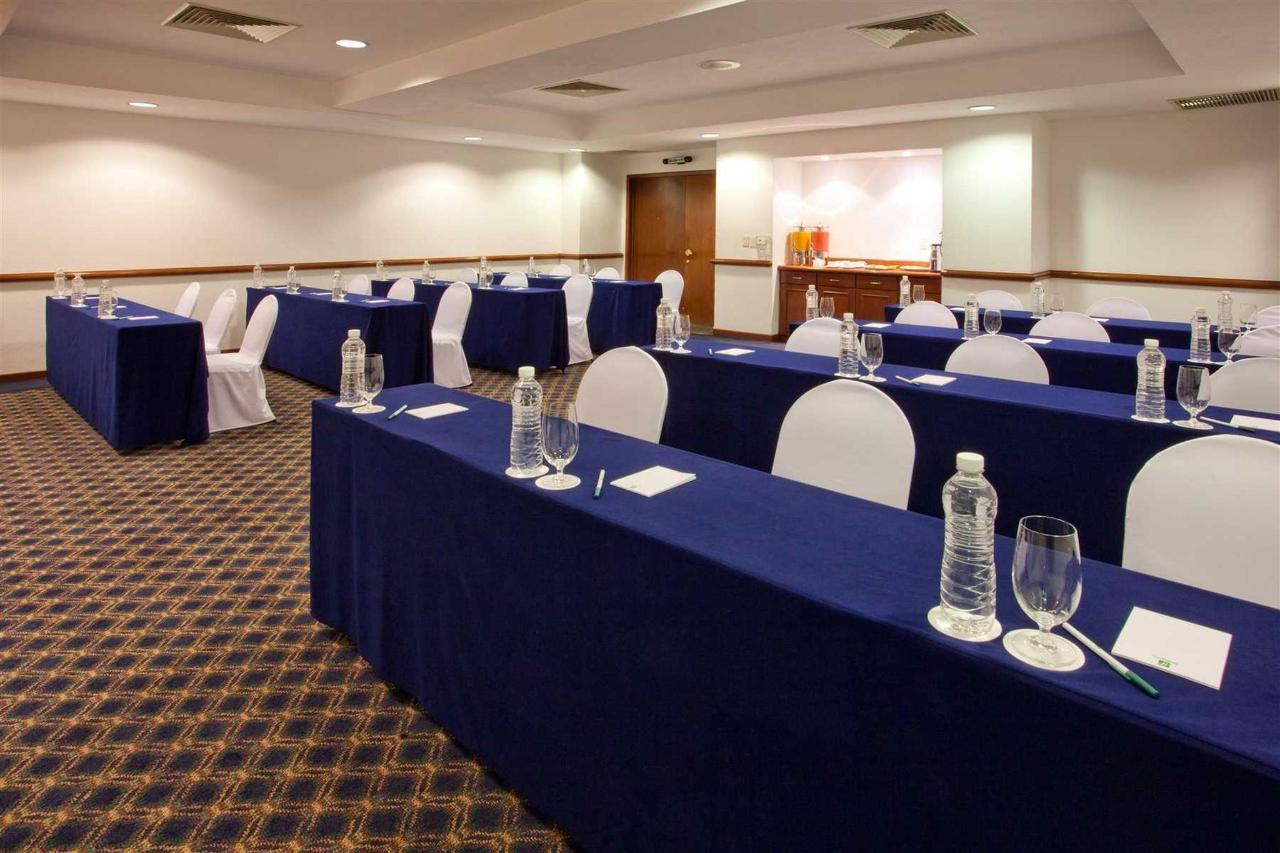 Cupula meeting room, Holiday Inn Puebla la Noria.jpg