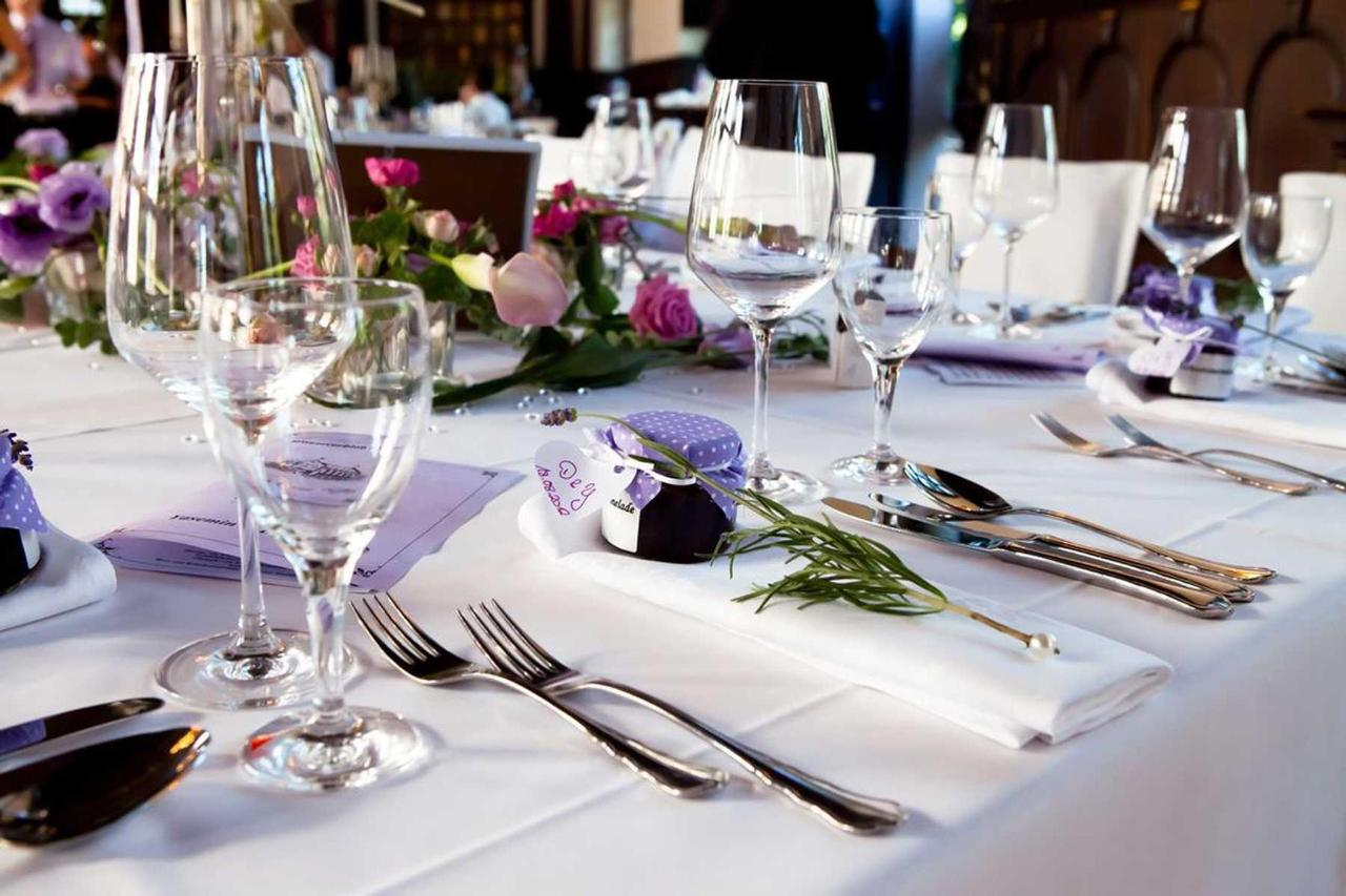 weeding table, Holiday Inn Puebla la Noria.jpg