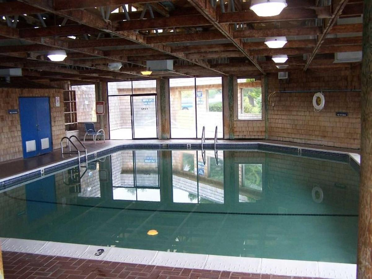 pool.jpg.1920x0.jpg