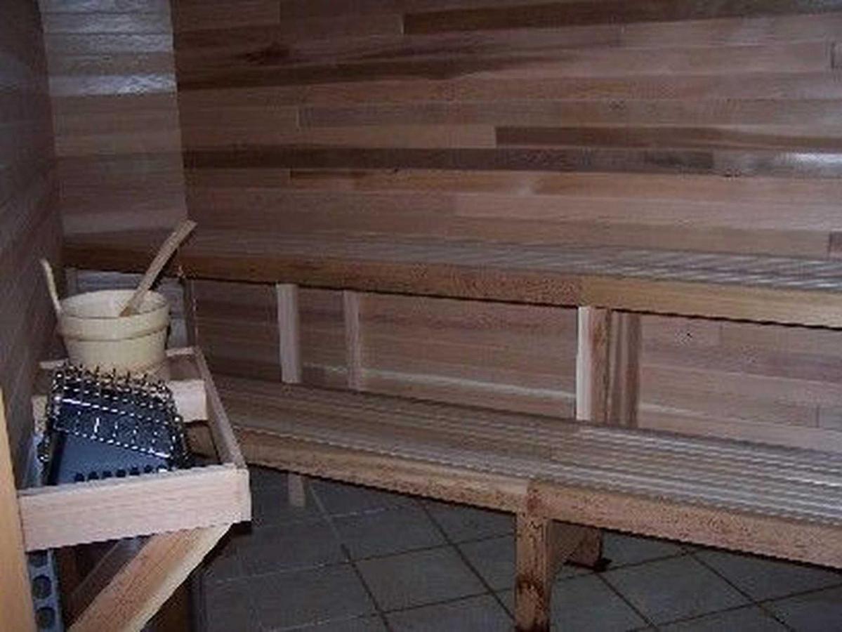 sauna-1.jpg.1920x0.jpg