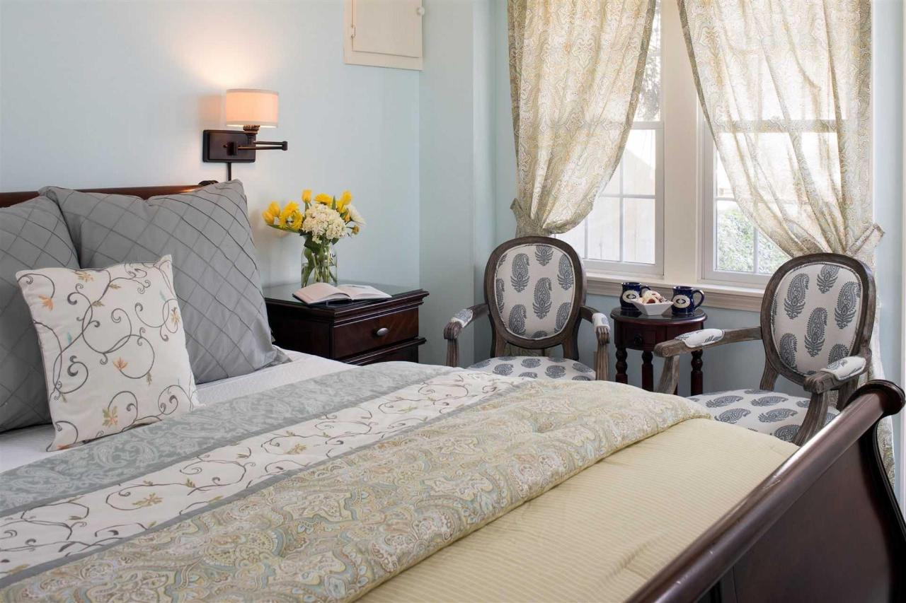 guestrooms-pleasant-bay-1.jpg.1920x0.jpg