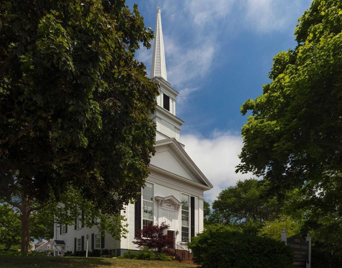 old-harbor-inn-exterior-church-june-2016.jpg.1920x0.jpg