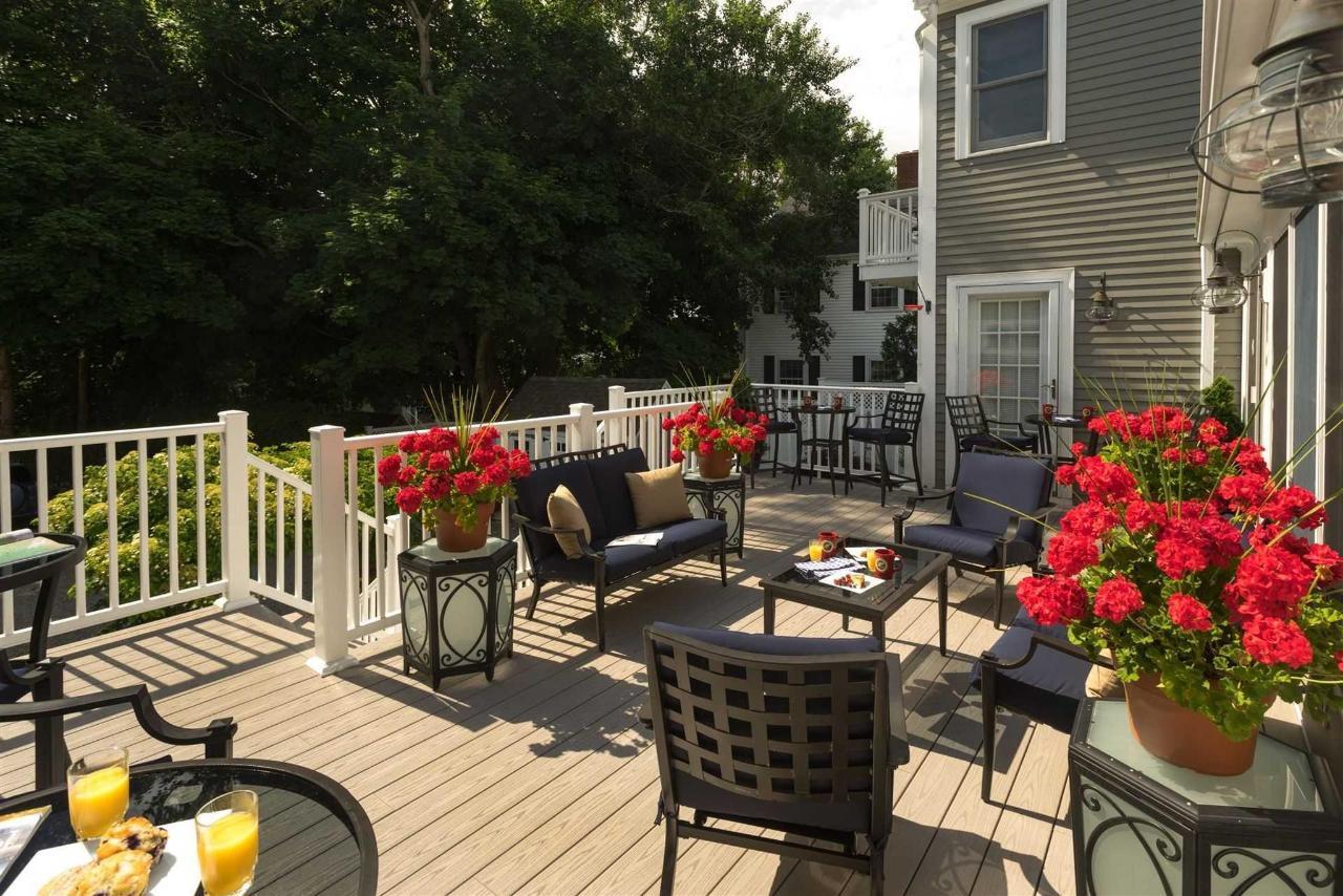 old-harbor-inn-exterior-back-porch-june-2016-3-2.jpg.1920x0.jpg