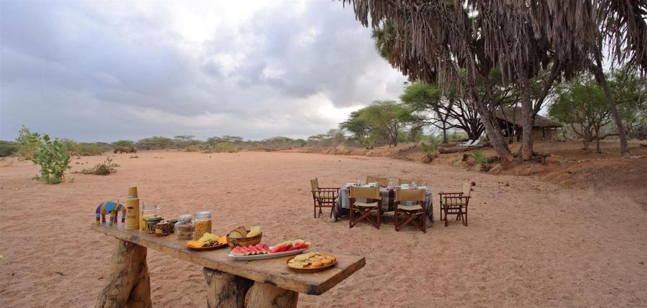 Breakfast on the dry river bed.jpg